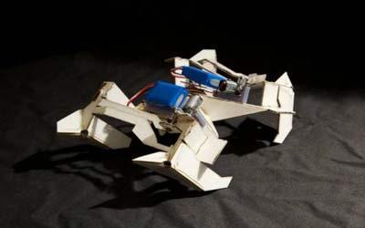 Robot origami che si trasformano e riconfigurano